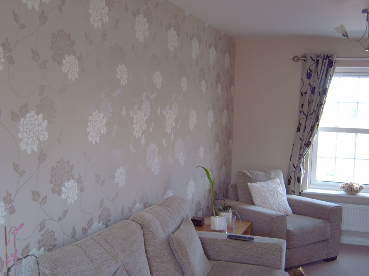 Lounge Wallpaper and Paint